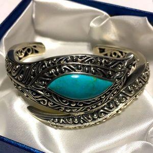 Vintage handmade silver turquoise cuff bracelet